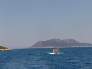 1-ishulli-i-sazanit